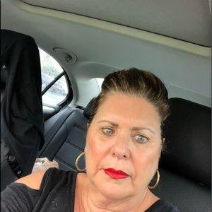 Meet your Posher, Joanne